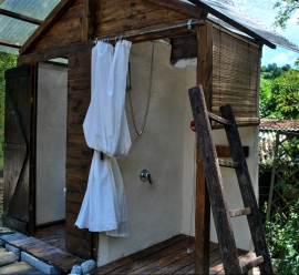Glamping_Shower